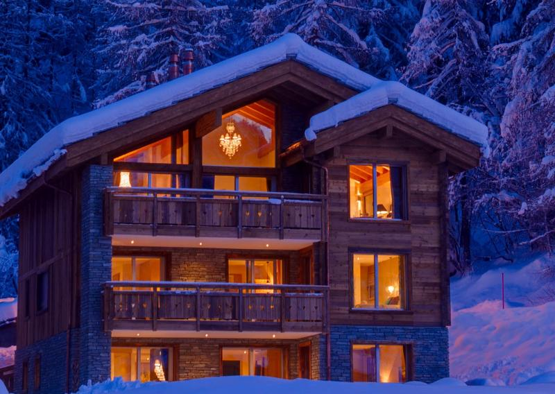 Image of Chalet White Pearl
