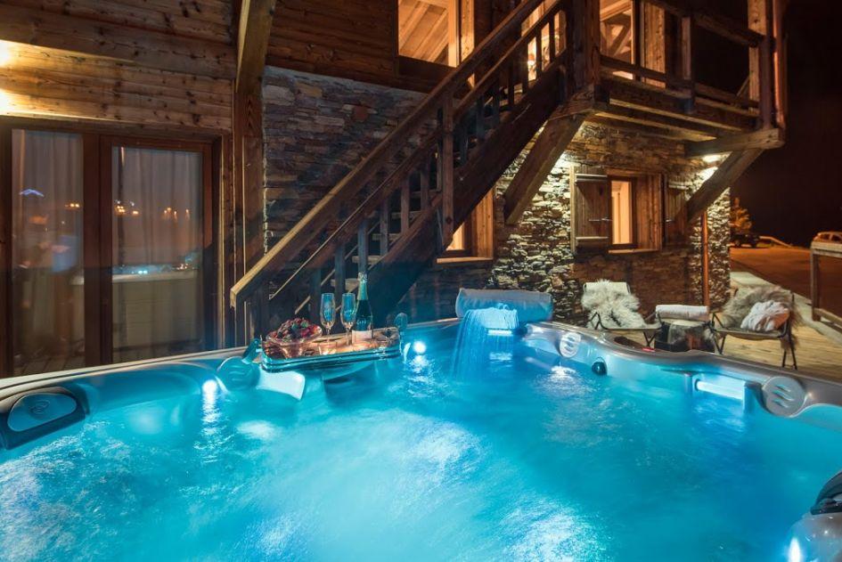 ambre hot tub