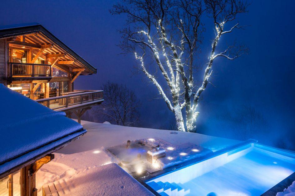chalet-grande-corniche-swimming-pool-at-night