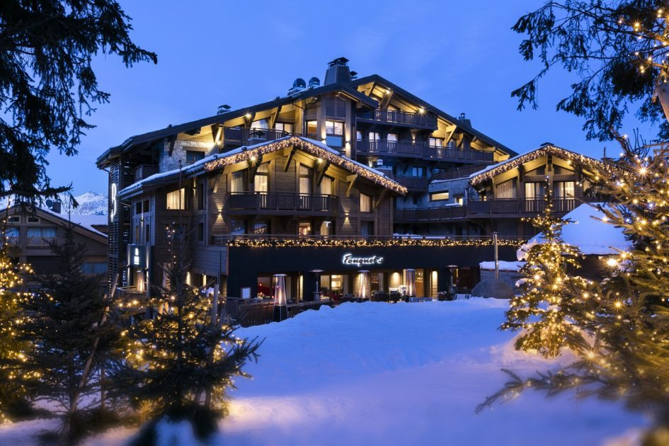 Hotel barriere les neiges a 5 luxury ski in ski out for Hotels barriere