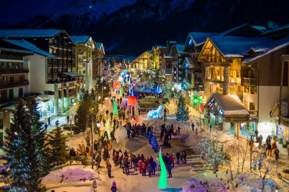 5 ski resorts to go for christmas in the alps festive fun. Black Bedroom Furniture Sets. Home Design Ideas