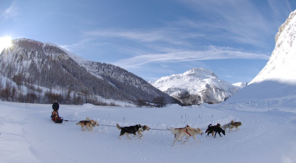 Non skiiers in Val d'Isere