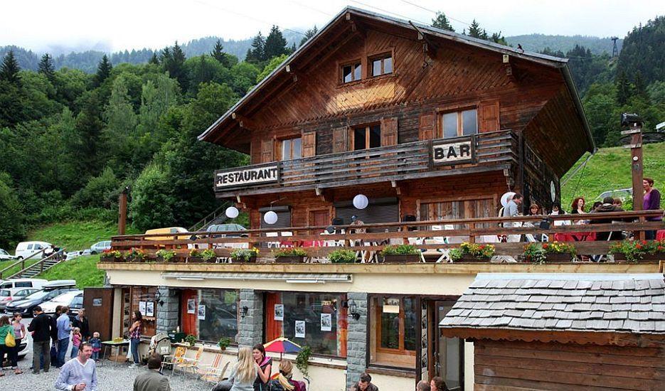 Apres in Les Houches - Kitsch Inn