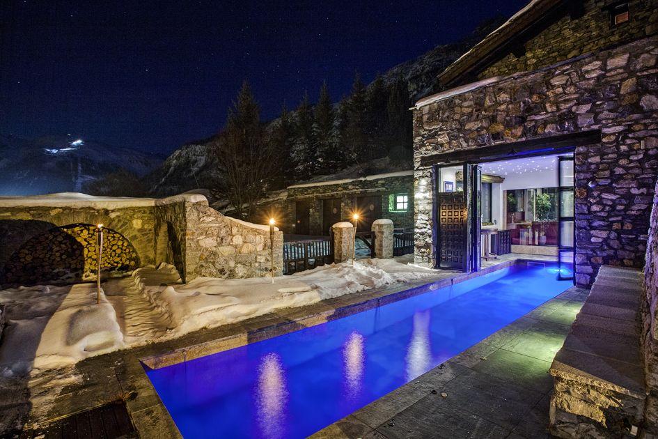 Luxury ski chalet style