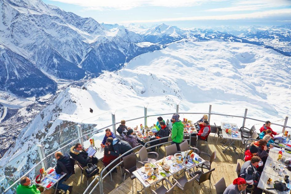 Top reasons to convince your non-skier friends to want to go on a ski holiday