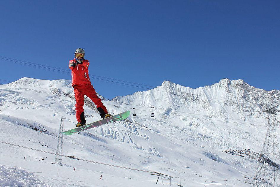 Snowboarding holiday in Saas Fee
