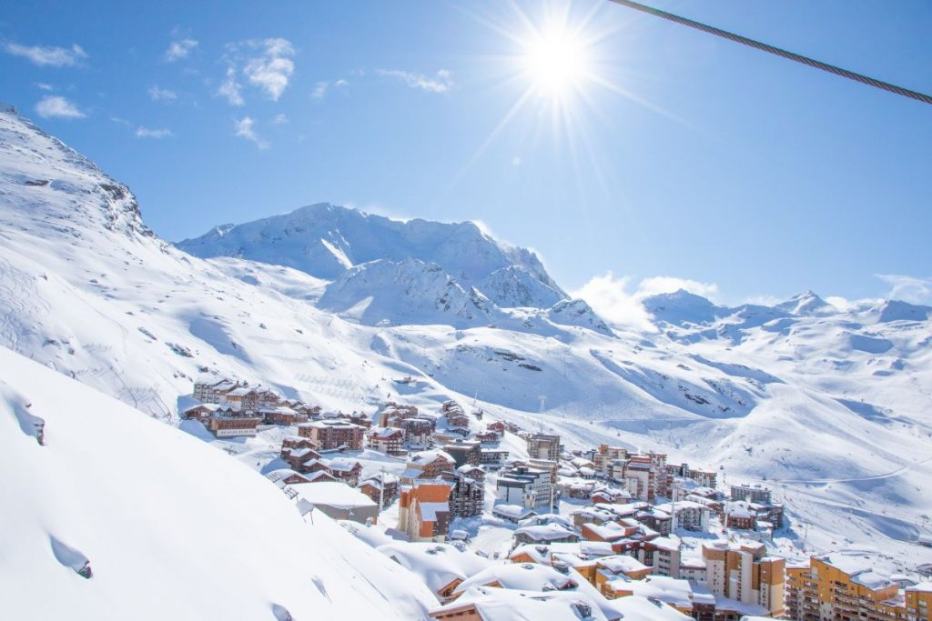 Val Thorens at New Year, skiing in Val Thorens, Val Thorens Ski Holiday New Year. New Year in Val Thorens