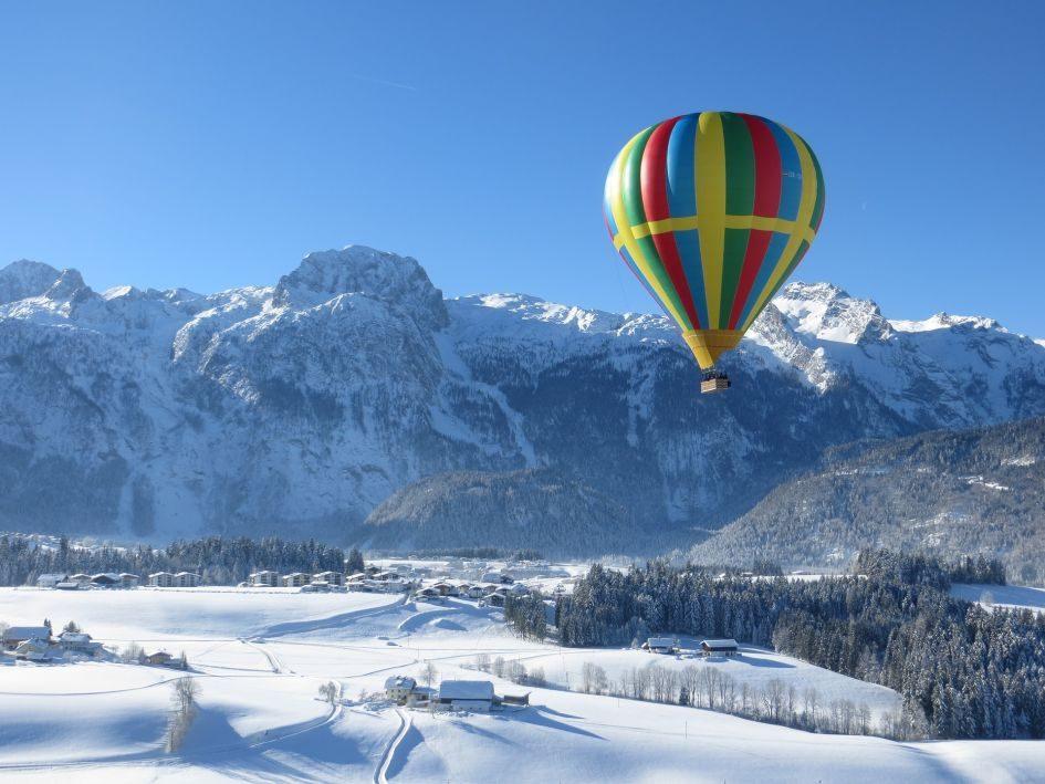 Hot air ballooning in ski resorts
