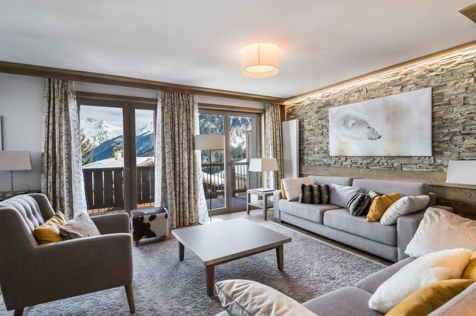 luxury self-catered chalets, self-catered ski chalets, Carre Blanc 6, self-catered chalets in Courchevel, Courchevel self-catered ski chalets