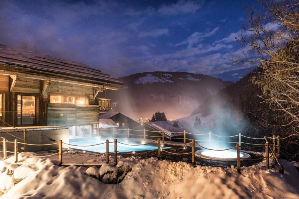 ski-chalet-outdoor-hot-tub-chalet-joux-plane-morzine