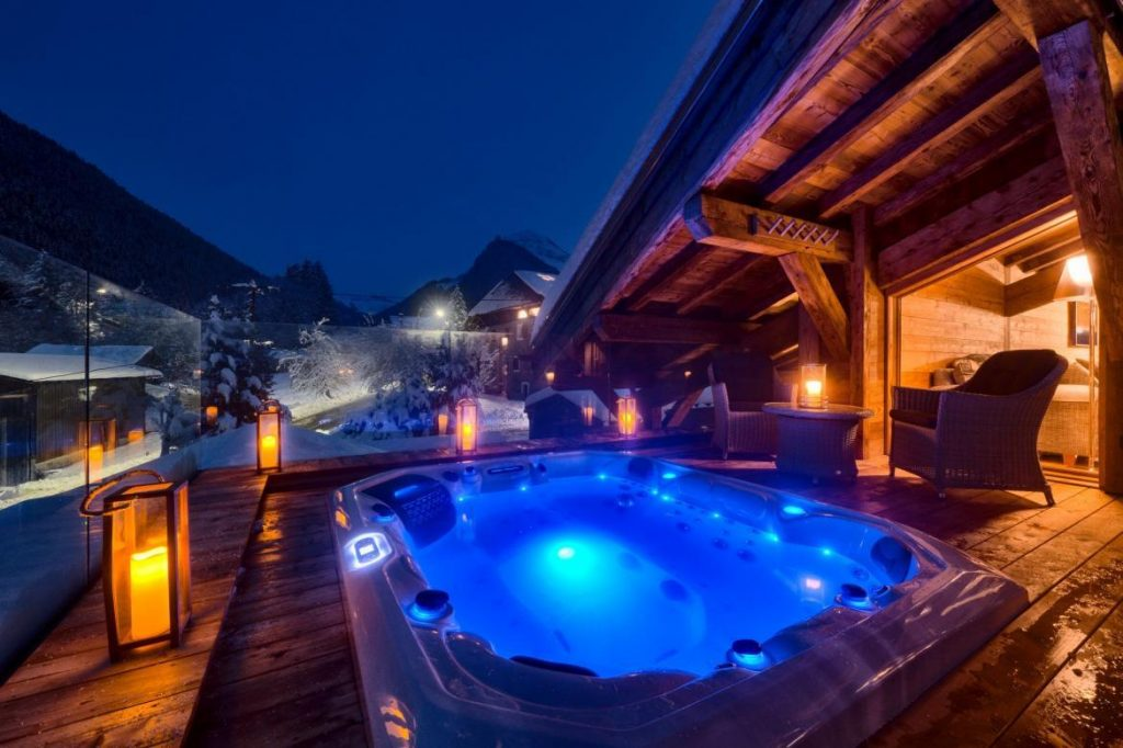 terrace-hot-tub-lodge-des-nants-morzine