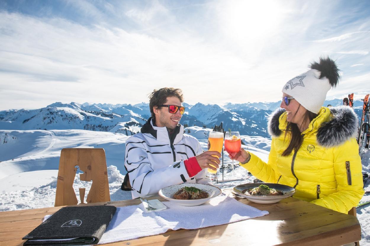Covid skiing 2021, Covid ski season 2021, Covid ski holidays, restaurants in the Alps, covid-19 restaurants, coronavirus restaurants