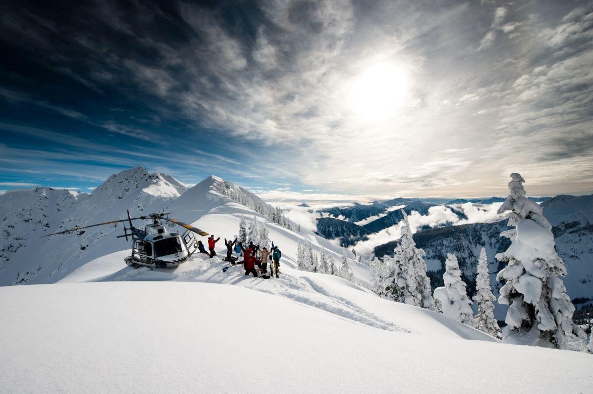 heli ski Canada, heli ski Revelstoke, heli skiing Canada, heli skiing Revelstoke, Revelstoke BC, Champagne powder in Canada