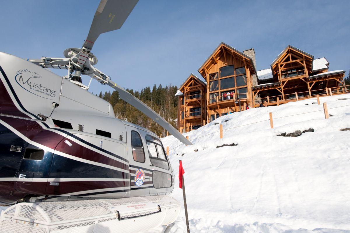 heli ski Revelstoke, luxury ski lodge Canada, luxury ski lodge Revelstoke, ski holiday Revelstoke, heli ski Canada