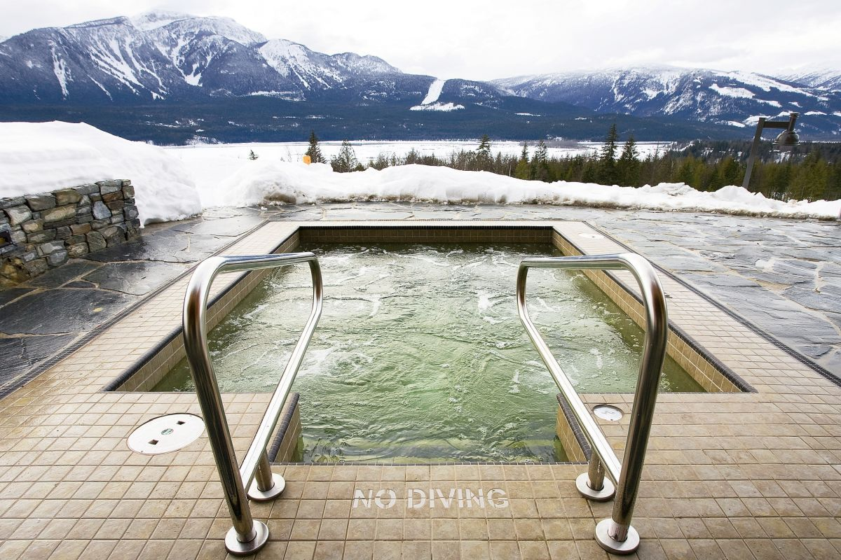 wellness at Bighorn Revelstoke, hot tub Revelstoke, chalet with hot tub Revelstoke, Canada ski lodge with hot tub
